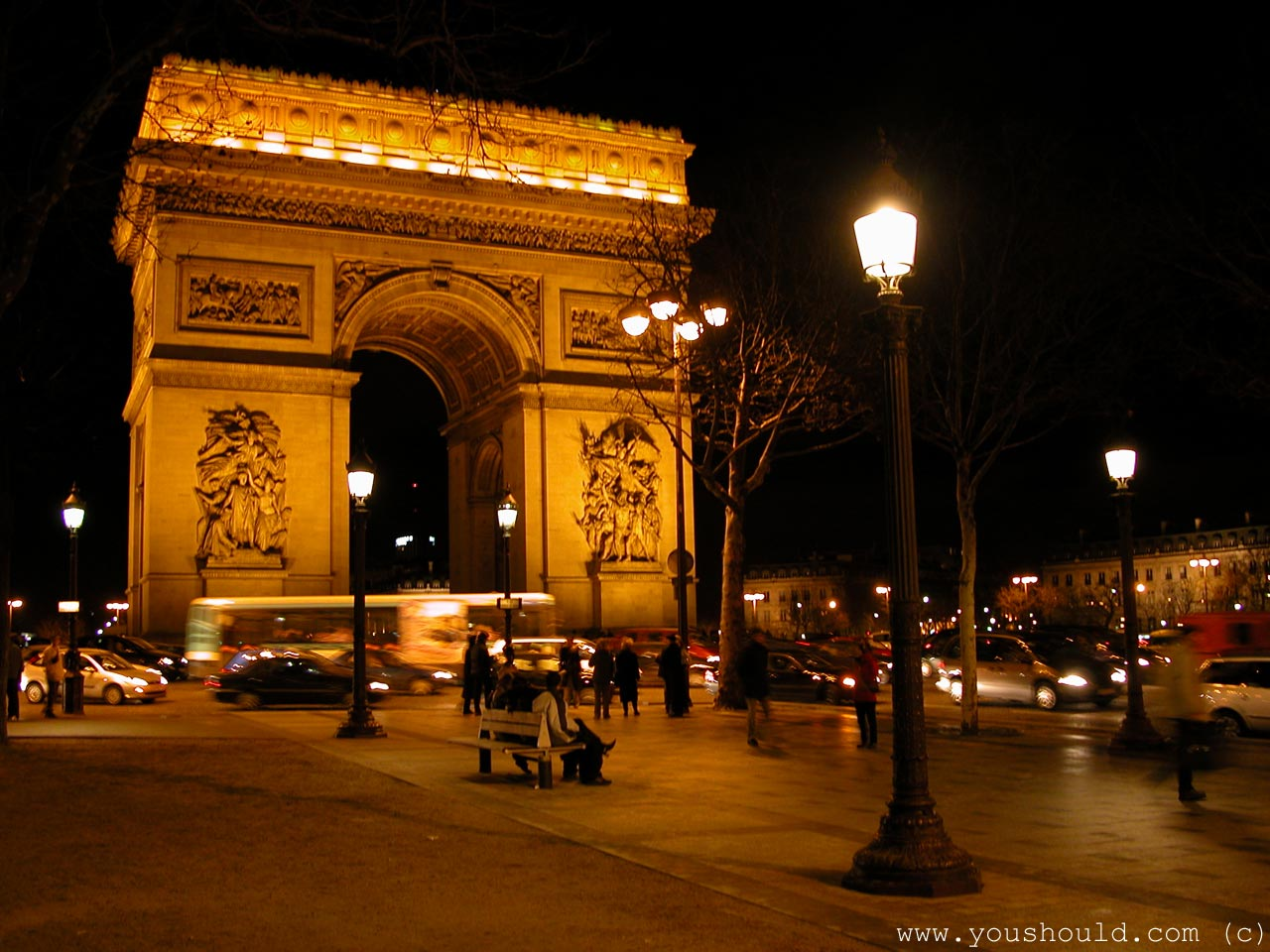http://2.bp.blogspot.com/-wgin-PC2_E0/UQgN0tqdOAI/AAAAAAAAjwc/hT8M1I_AmRY/s1600/arc_de_triomphe_at_night_paris_france_wallpaper-normal.jpg