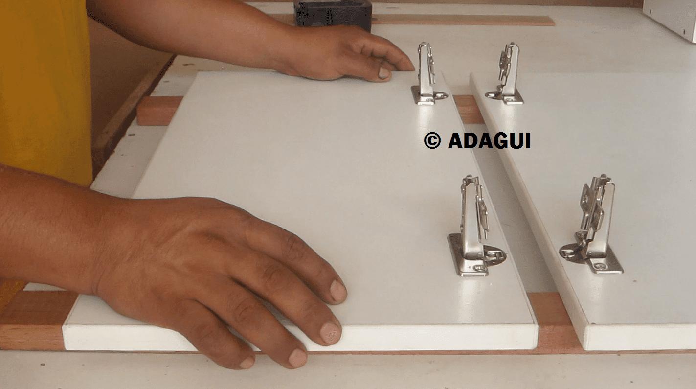 Como instalar bisagras de cazoleta puertas muebles de for Muebles de cocina para montar