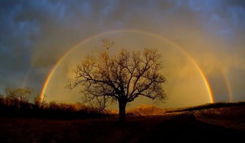 http://2.bp.blogspot.com/-wgvCMlzZENw/TgAhwuw1BQI/AAAAAAAAC70/Isang_ytThI/s1600/arco-iris+1.jpg