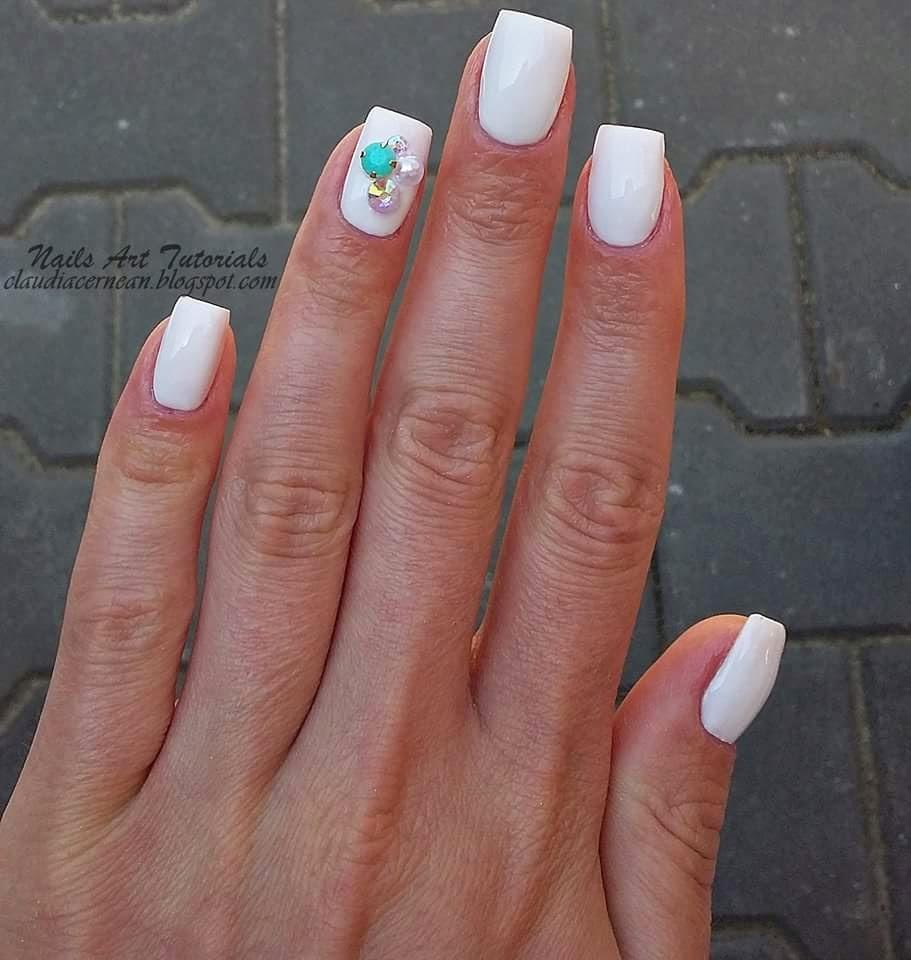 Nails Art Tutorials: Unghii Albe - White Nails