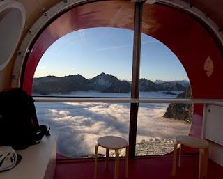 Hotel Di Tepi Jurang - infolabel.blogspot.com