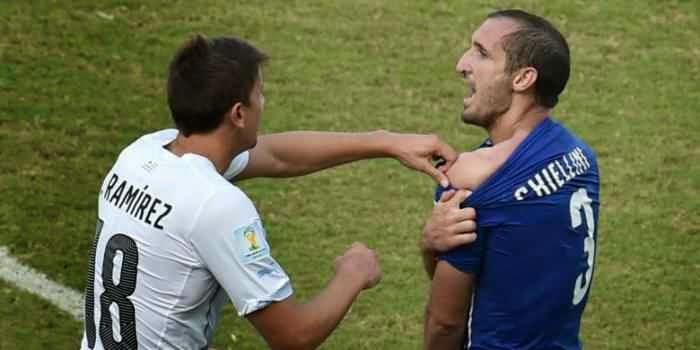 12 Ulah Kontroversial Luiz Suarez Sepanjang Karir