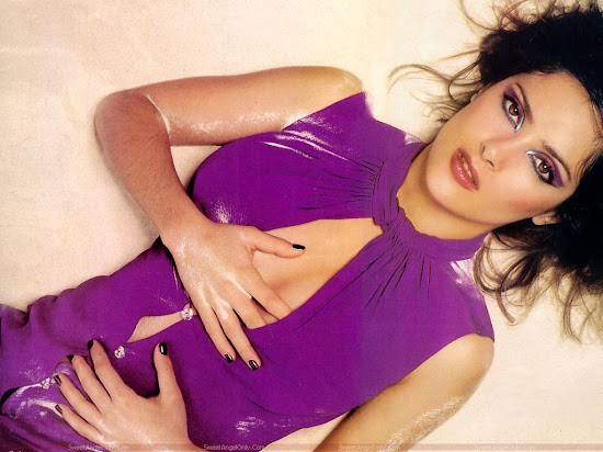 salma_hayek_hottest_wallpaper_hq_Fun_Hungama