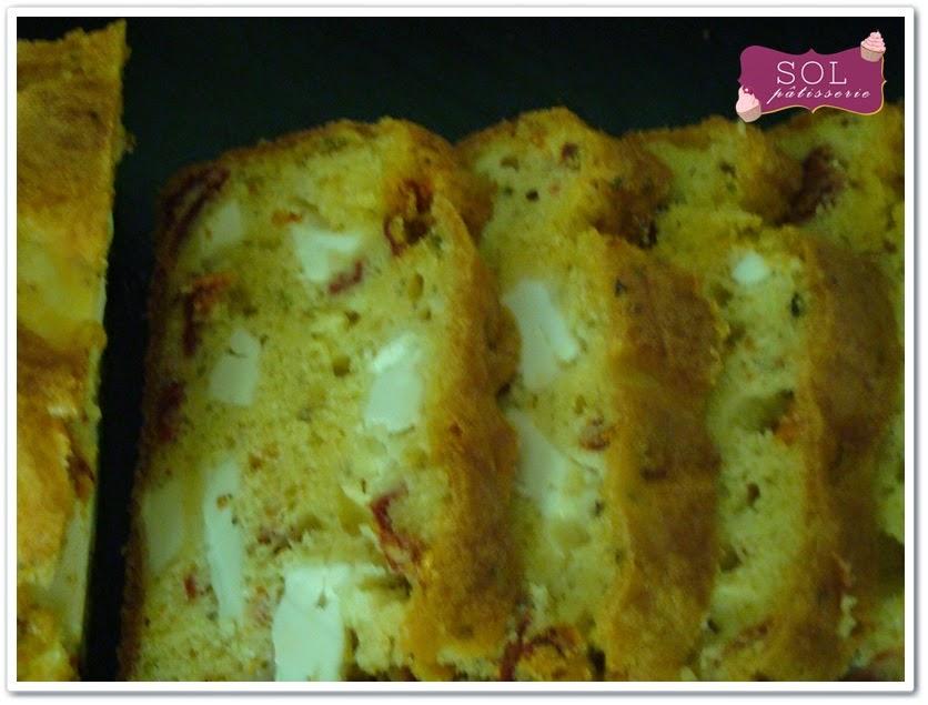 Cake feta et tomates séchées sans gluten - Cake de feta e tomates secos sem gluten