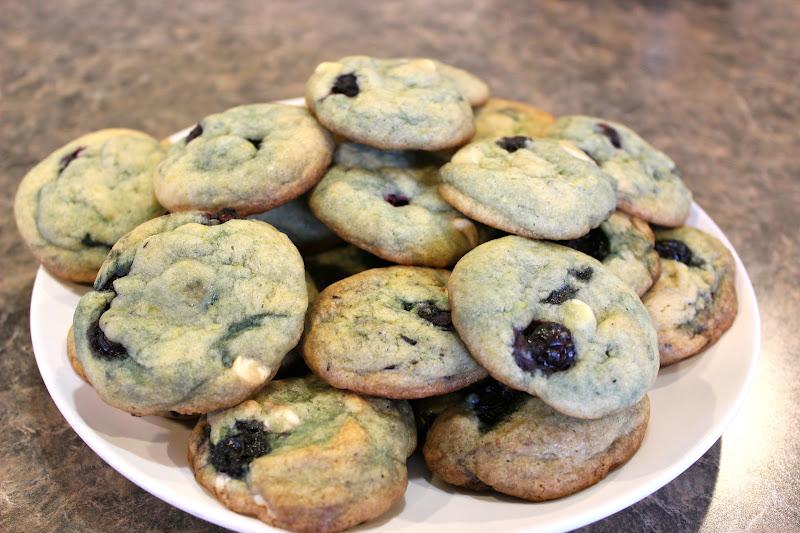 Kinzie's Kreations: Blueberry Lemon Cookies