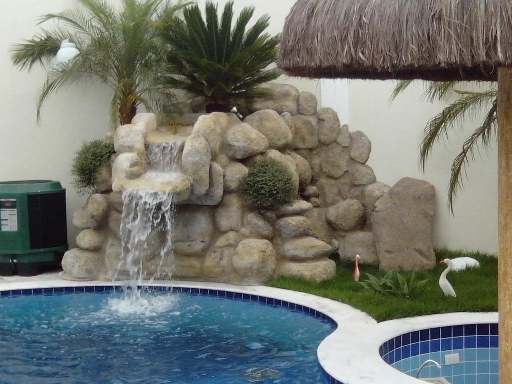 Kallina cascatas e afins cascata de pedra para piscina - Piscina a cascata ...
