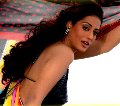 Mahie Gill sexy picture