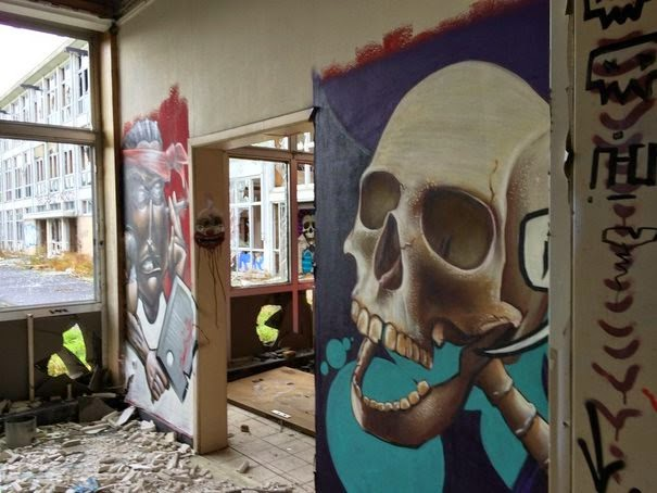 dinfo.gr - Πήγε να εξερευνήσει ένα παλιό εγκαταλελειμμένο γηροκομείο και δείτε τι ανακάλυψε..