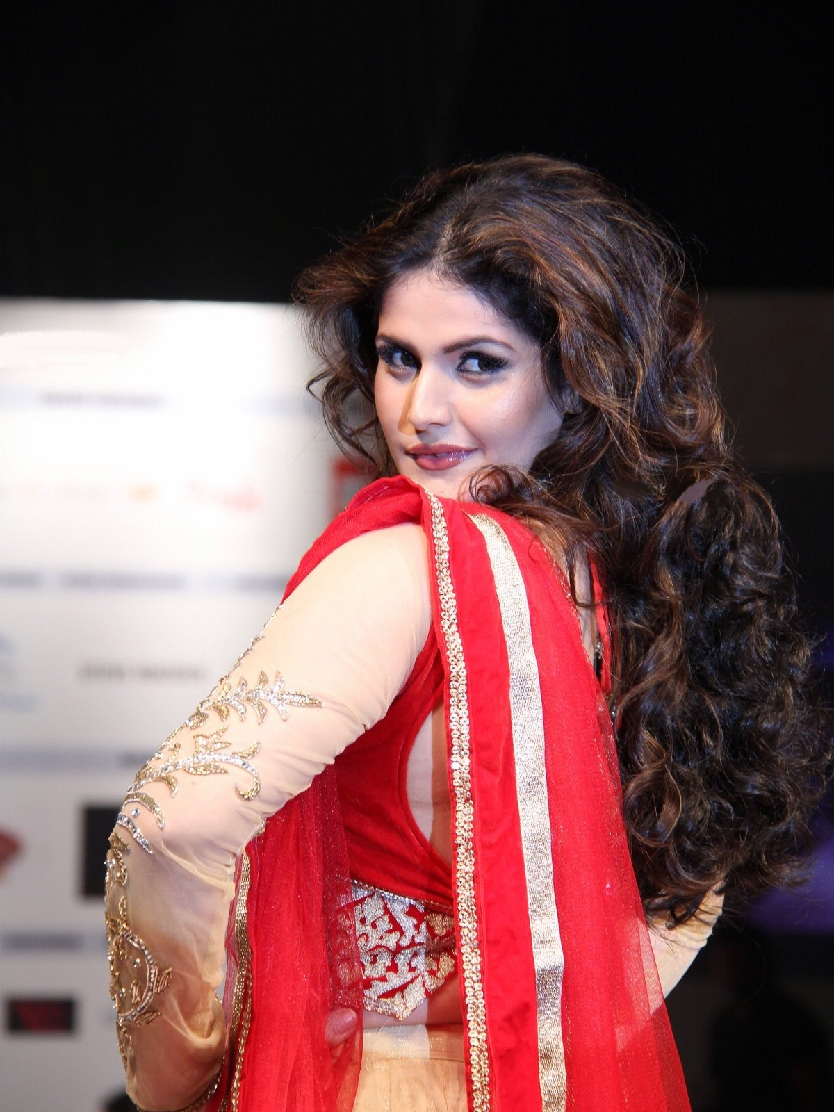 High Quality Bollywood Celebrity Pictures: Zarine Khan
