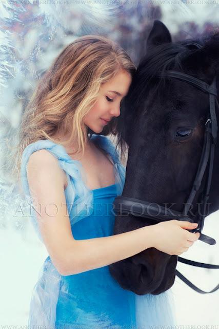 на фотосессии с лошадьми