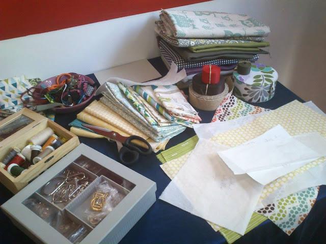 con ideas y a lo loco, telas naturales, telas de colores, showroom, organico, ecologico, fornituras, esenzia