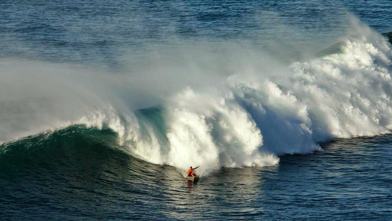 surfing menakoz 18