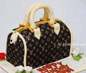 3D- LV Bag Cake