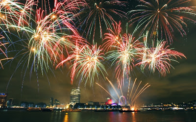 Fireworks Finale - Photo by Ray Wise - www.thamesfestival.org