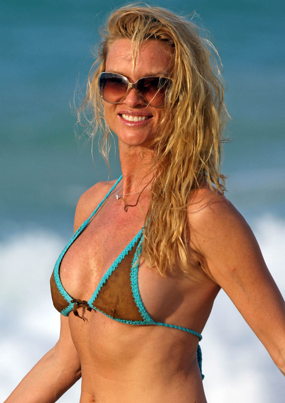 Hot Nicolette Sheridan nude photos 2019