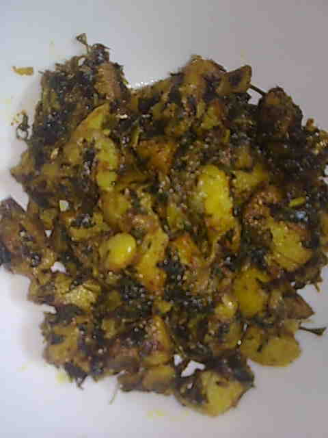 Fast Indian Recipes: Aloo Methi (Potato with Fenugreek Leaves)