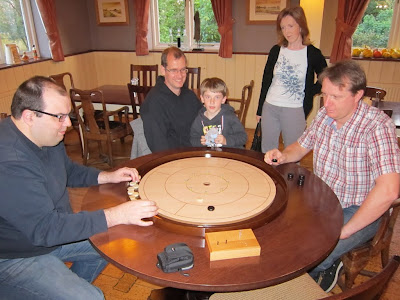 Crokinole - The big match with spectators