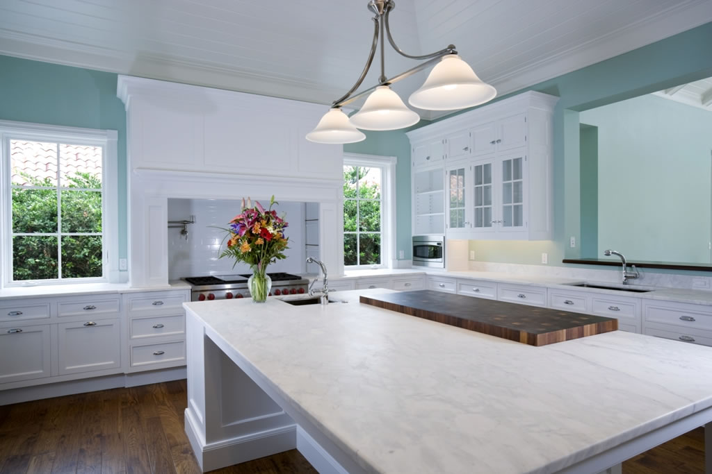This is a roundup of natural quartz countertop options