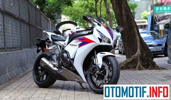 PT Astra Honda Motor : All New Honda CBR1000RR 2015 Segera Mengaspal Di Indonesia?