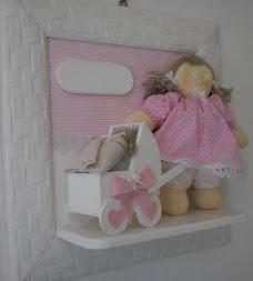 Enfeite de porta boneca de pano