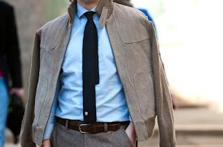 Krawat Pierre Cardin stylizacja