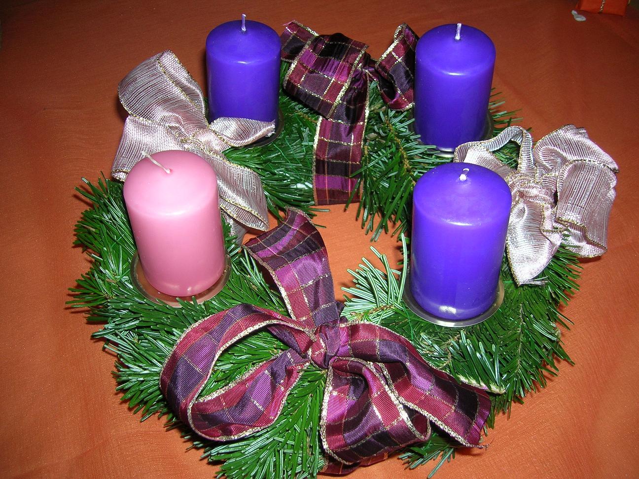 Notinorte ec corona de navidad - Como decorar la corona de adviento ...
