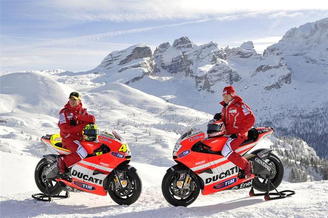 2011 Ducati Desmosedici GP11 Unveiled