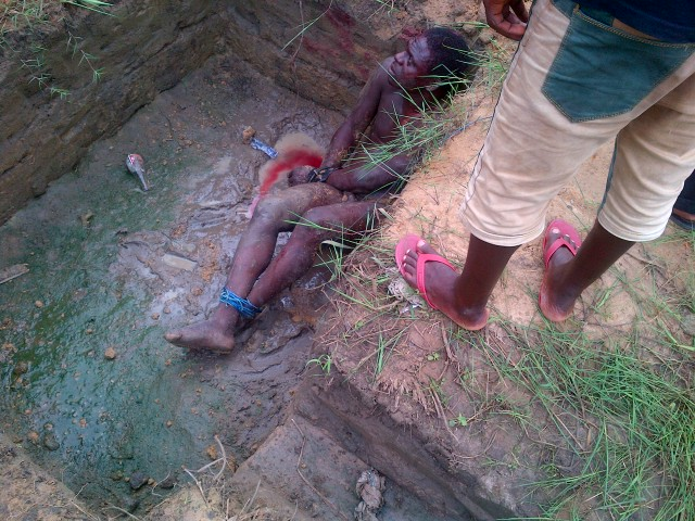 Pictures: Mob Catch & Beat Up Thief Till He Bleeds In Delta State 1226720_IMG-20130731-00033_jpgffdd011ffd25c5a0483c62fcb80bf378