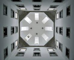 La geometría de la lucerna del convento