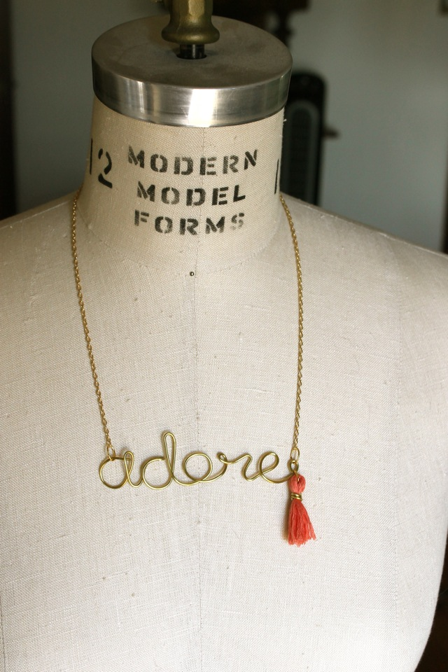 Ladyface Blog: DIY Wire Word Necklace