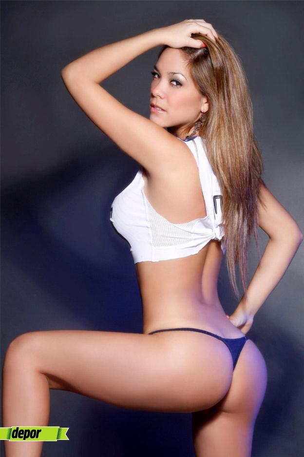 Elizabeth Wilson hot