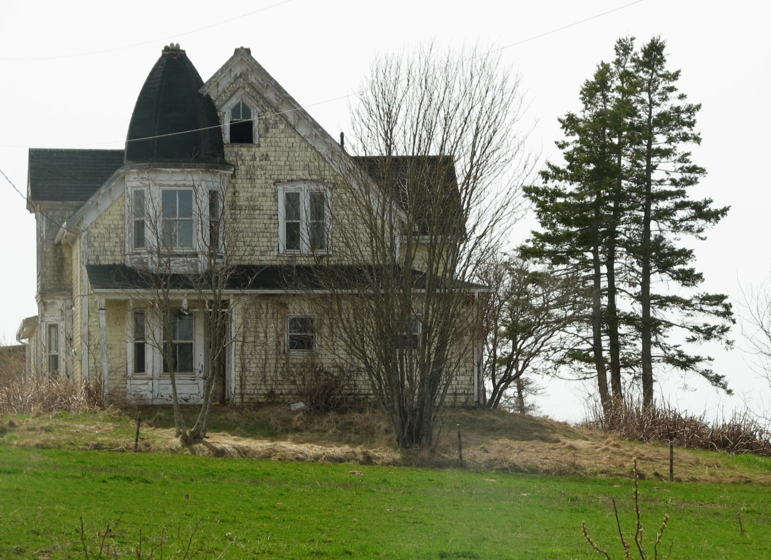 P e i heritage buildings abandoned house and barn dundas for Pei home builders