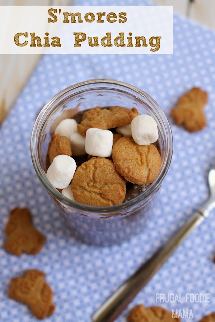 Inspired by a campfire classic, this easy to make S'mores Chia Pudding is the perfect back to school snack. #sponsored