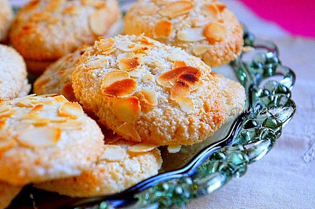 Almond Cookies-Ergolavoi