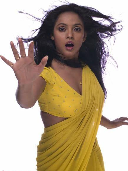 Neetu chandra1 - Neetu chandra Hot Yellow Saree Pic