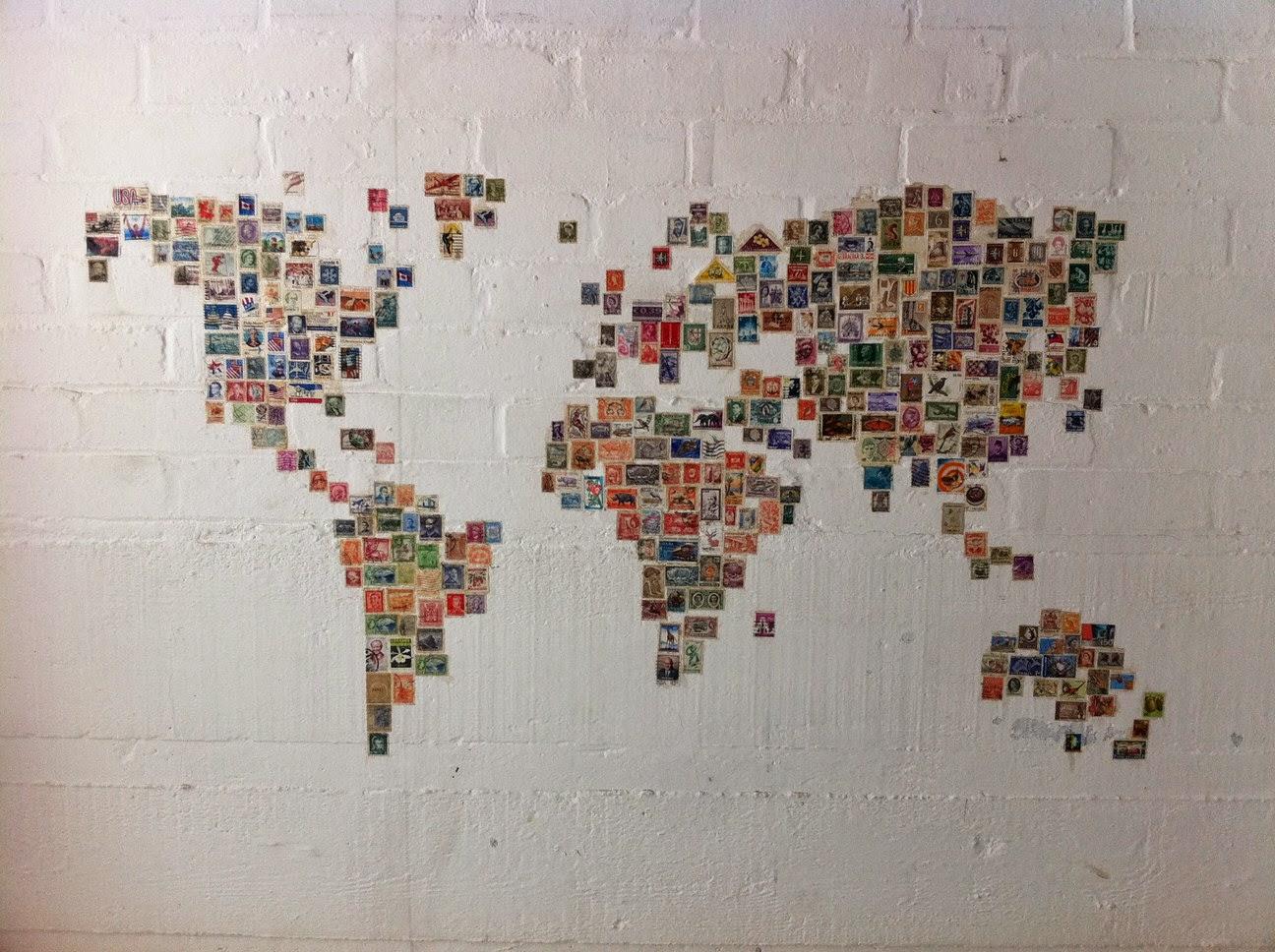 En voyage autour du monde caract rielle for Tableau carte du monde ikea