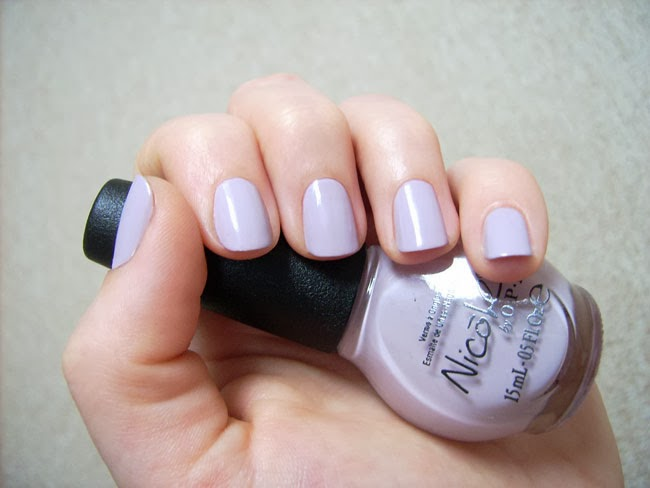 Nail polish Nicole by OPI Have I made myself Claire, perfect manicure
