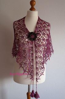http://elizyart.blogspot.com.es/2013/05/elise-shawl-and-something-new.html