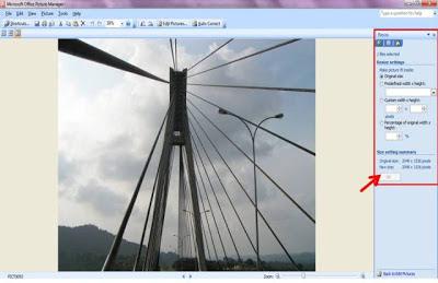 mengecilkan ukuran (lebar dan panjang) gambar