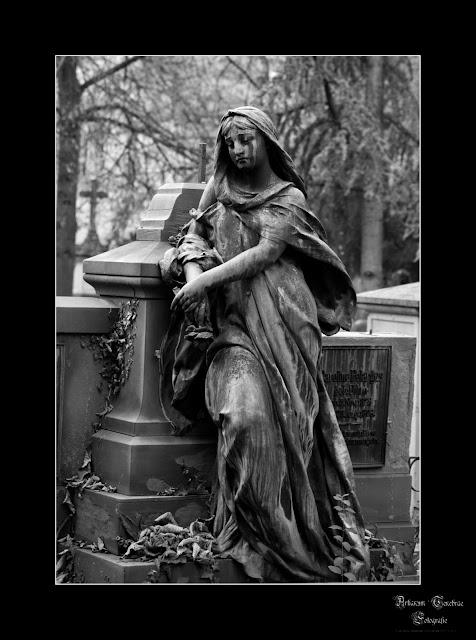eine Staute auf dem Fangelsbachfriedhof Stuttgart