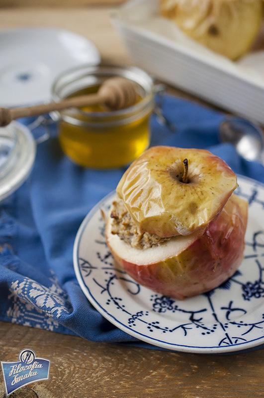 Jabłka faszerowane owsianką