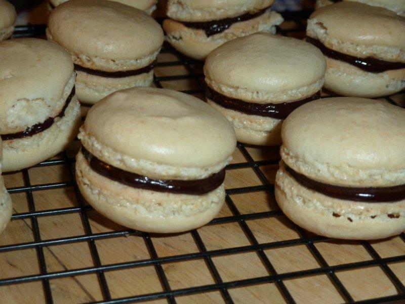 Macarons com recheio chocolate