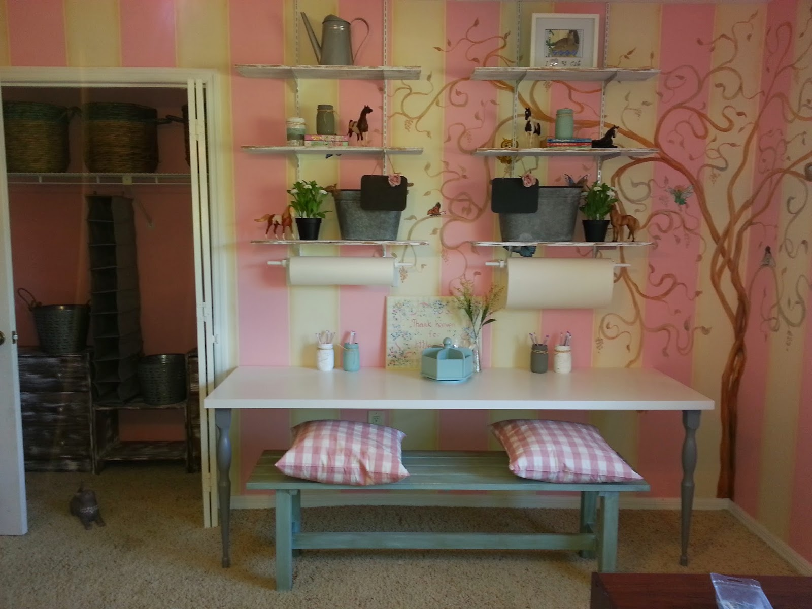 Trinity vintage home shabby chic craft table for Shabby chic craft room