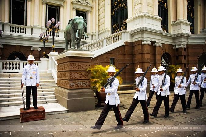 Cambio de guardia Bangkok Tailandia