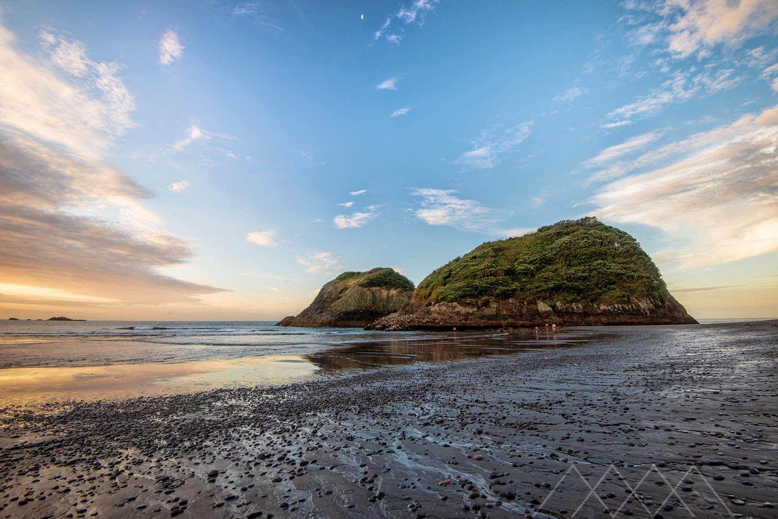 Sugarloaf Islands sunset New Plymouth
