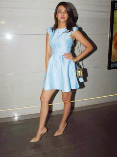 Actress Surveen Chawla Latest Pictures in Silk Short Dress at Lakme Fashion Week 2015  7.jpg