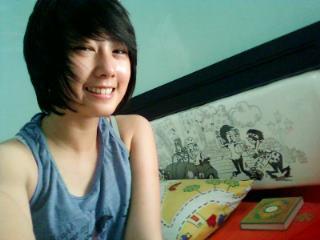 Dhike JKT48 di kamar