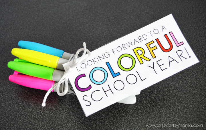 """Colorful"" Teacher Gift Idea with Free Printable at artsyfartsymama.com #StaplesBTS #Sharpie #giftidea"