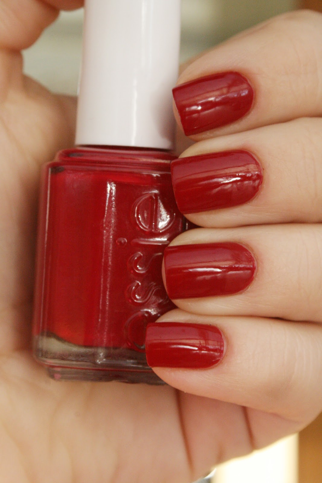 Nails by Catharina: Essie Size matters