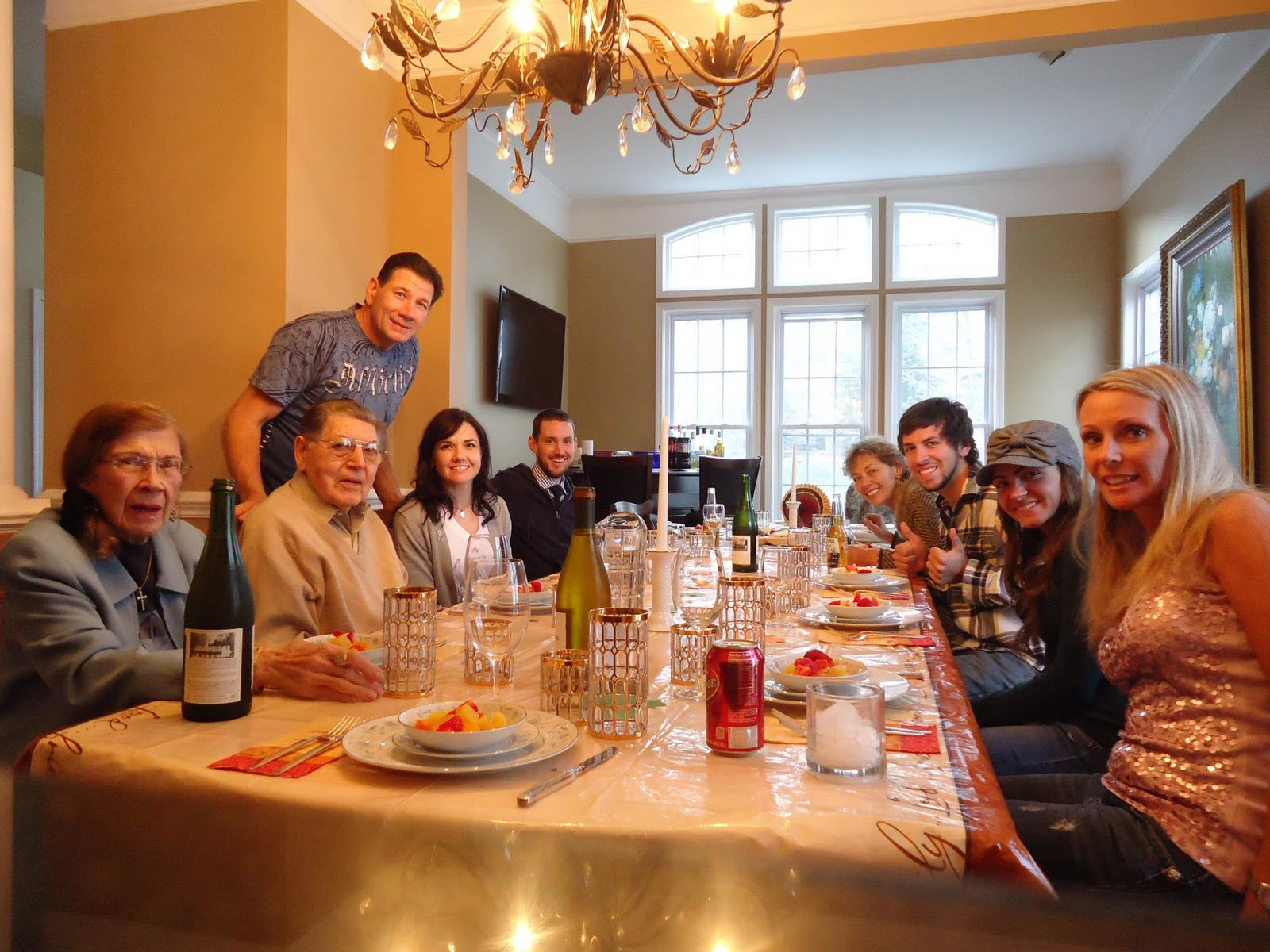 dinner table in family Eckrich contest brings families back to the dinner table downers grove,  ill, may 30 /prnewswire-firstcall/ -- families today are finding it more difficult.